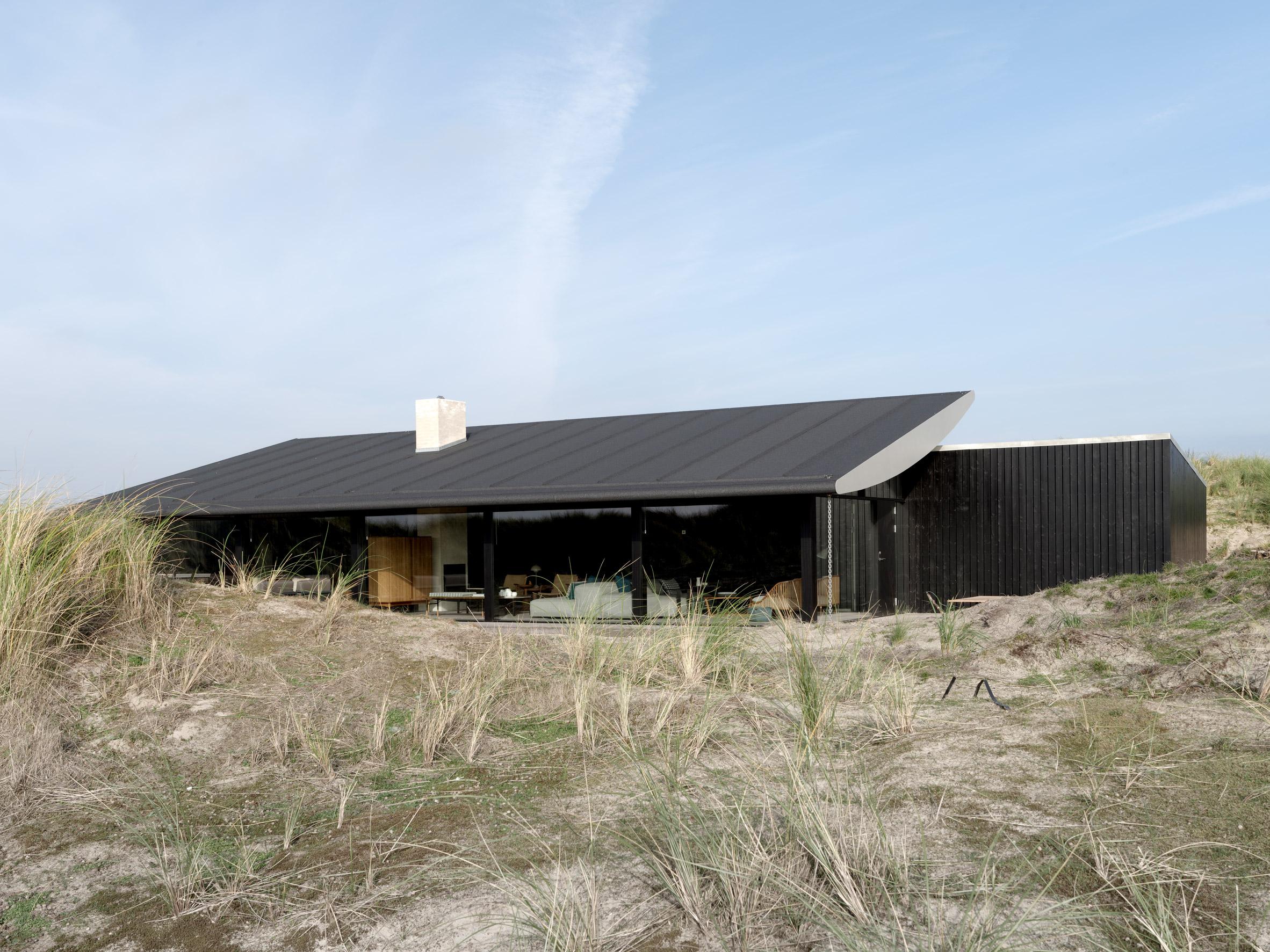 fano-house-knud-holscher-architecture-residential-denmark_dezeen_2364_col_22 (1).jpg