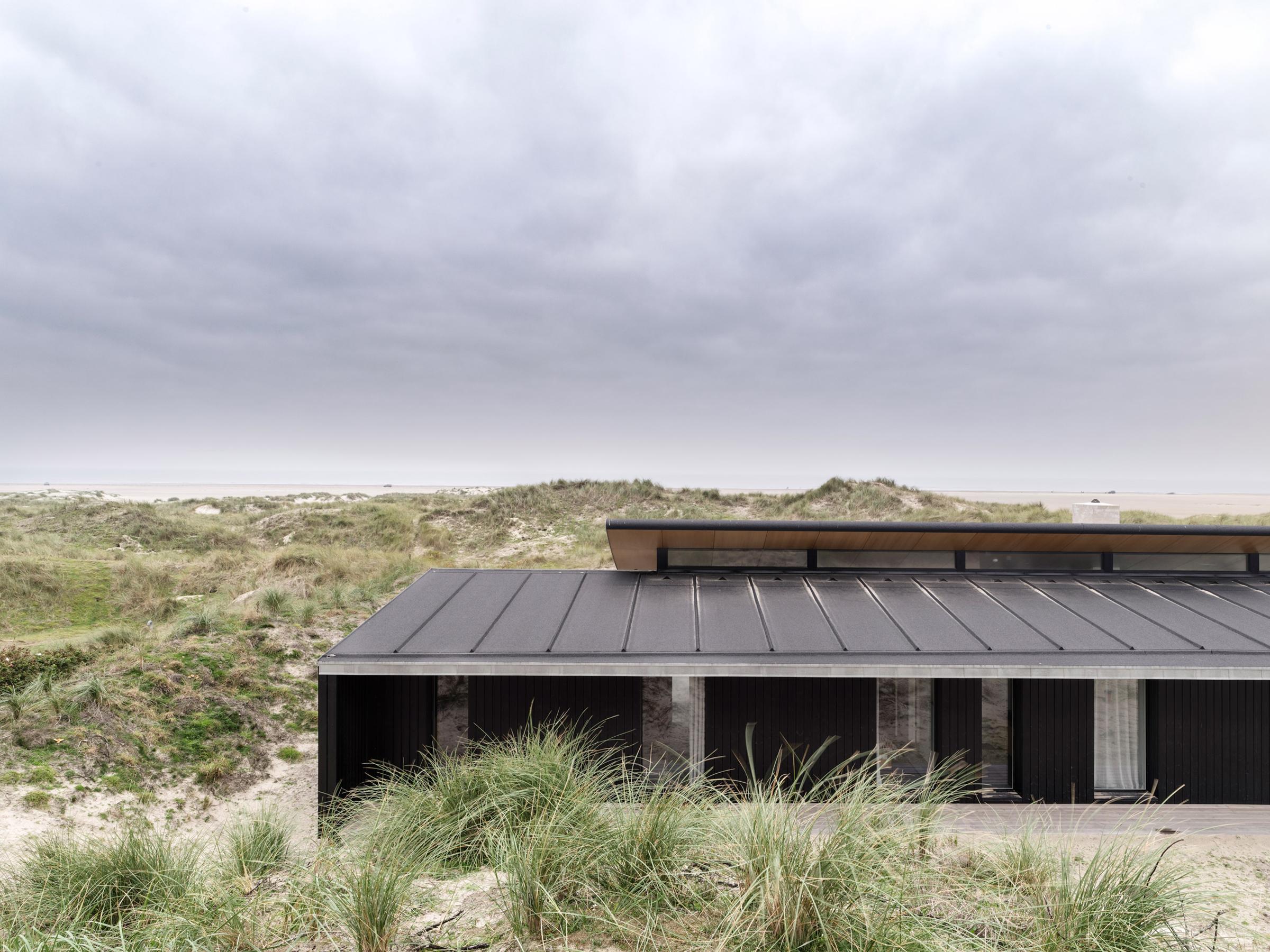 fano-house-knud-holscher-architecture-residential-denmark_dezeen_2364_col_16.jpg