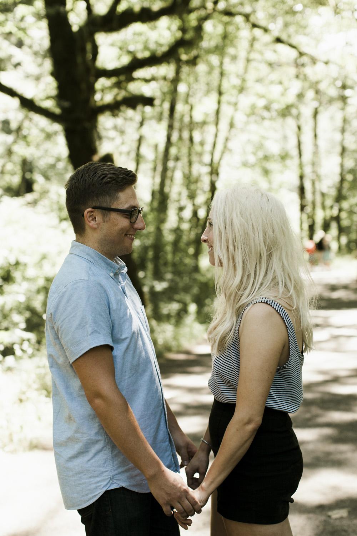 columbia-river-gorge-wahclella-falls-engagement-photos-cuties