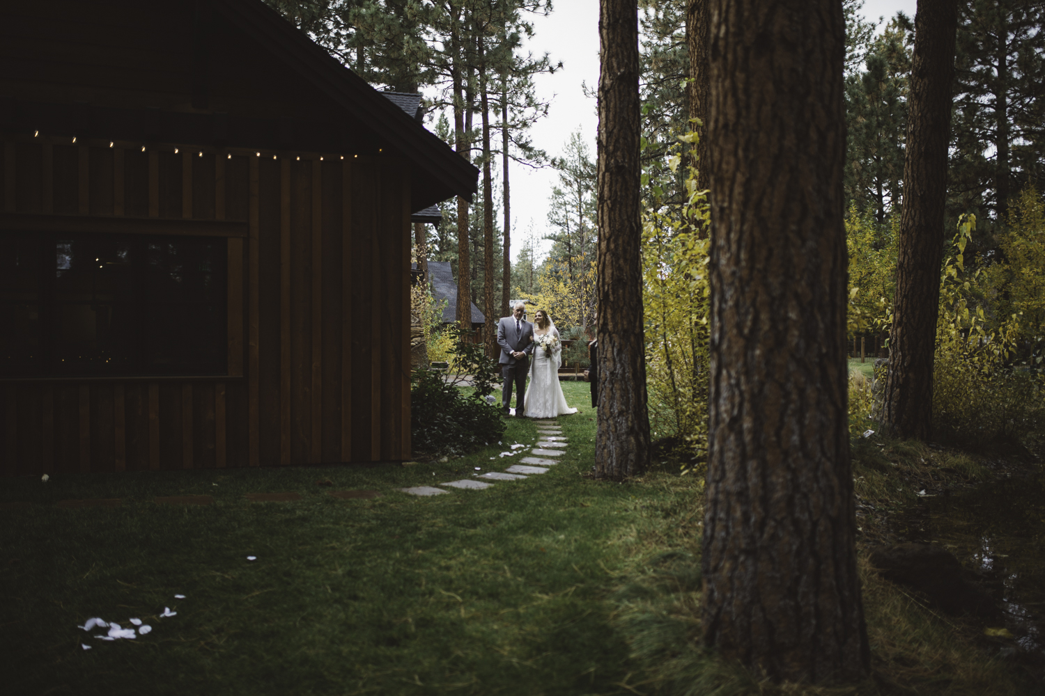 sarah-danielle-photography-intimate-portland-wedding-80.jpg