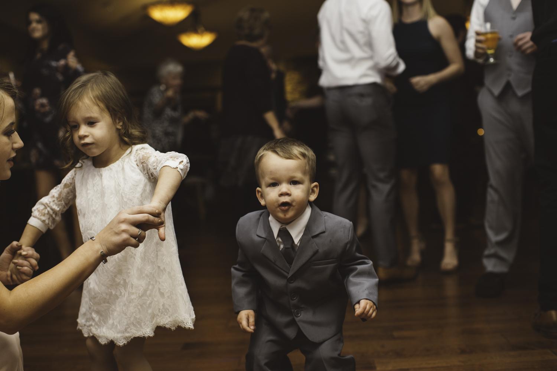 sarah-danielle-photography-intimate-portland-wedding-170.jpg