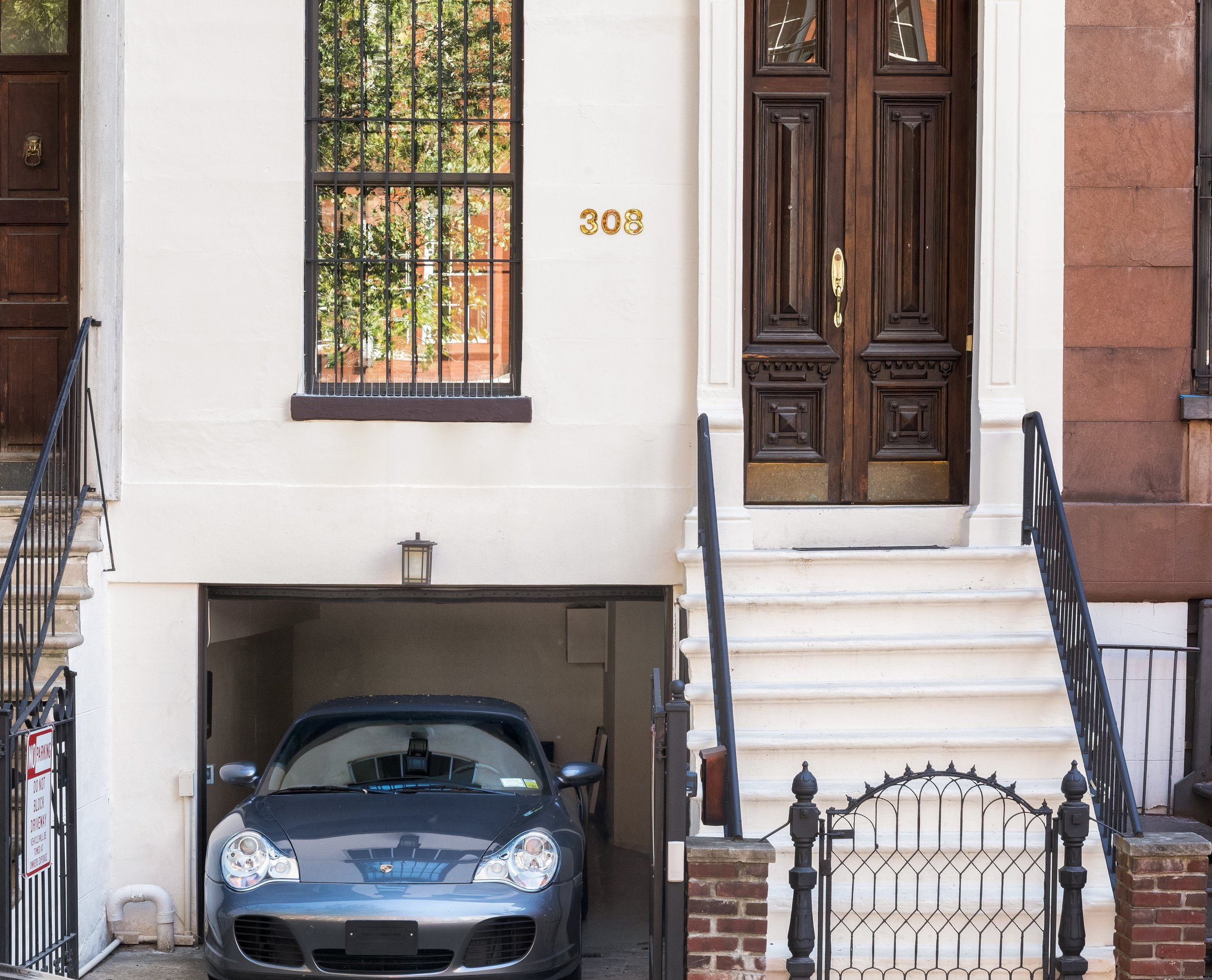 $25,000 | 4 Bedrooms | 7 Bathrooms