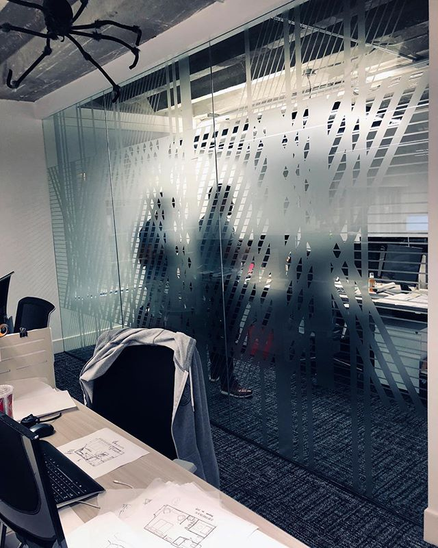 🕷 STILO PRESS  Bringing client ideas to life with this weblike vinyl design (spider not included) 🕷 . . . #intricate #clientdesign #vinyl #privacy #interiordesignmiami #workplace #workplacedesign #stilo #livinginstilo #stilomiami #stilopress #commercialdesign #halloween2018