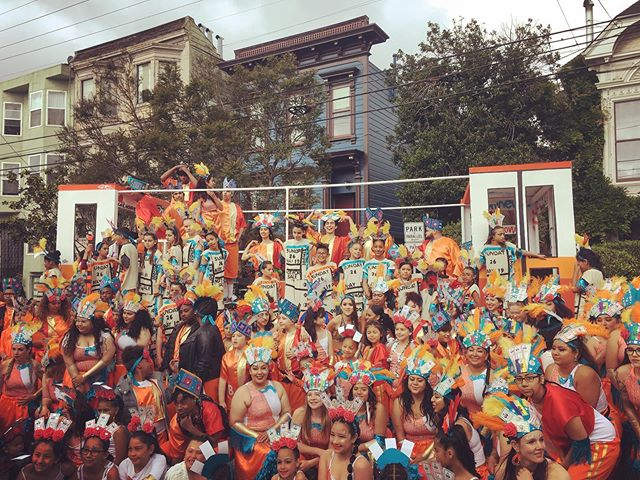 Another year of Loco Bloco Carnaval magic. Incredibly proud of the entire contingent from the teaching artists and student performers to the pocos, parents and volunteers. We are in awe of the strength of our community familia. #carnaval2019 #carnavalsanfrancisco #artivism #latinoeducation #missiondistrict #sanfrancisco #california #carnaval