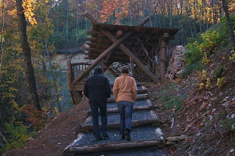 trail-to-pavillion.jpg