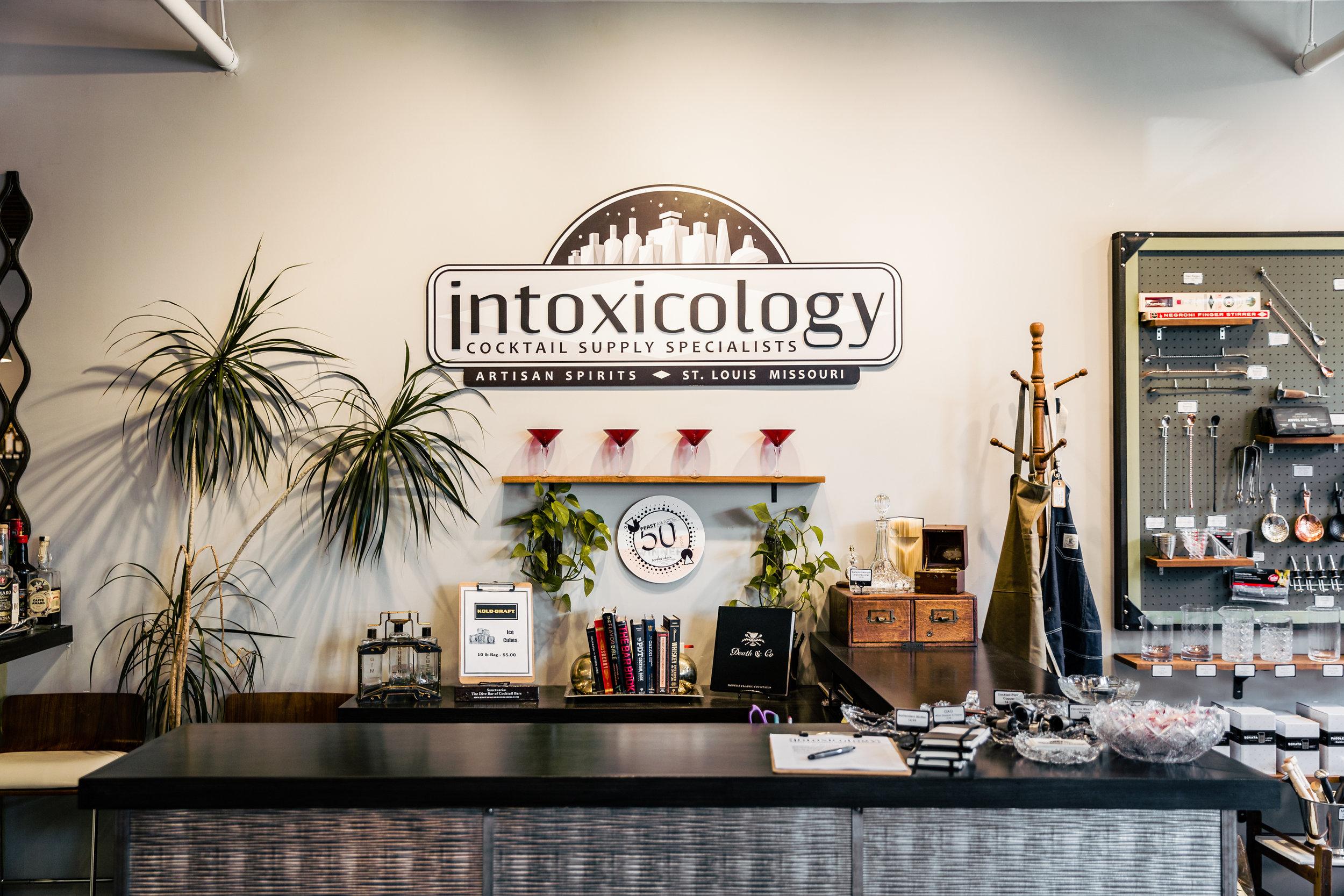 Trinh_IntoxicologySpace_August2018_008.jpg
