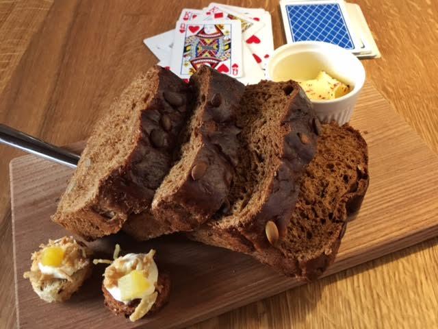 The bread board (plus amuse bouches from the chef) at Rataskaevu 16
