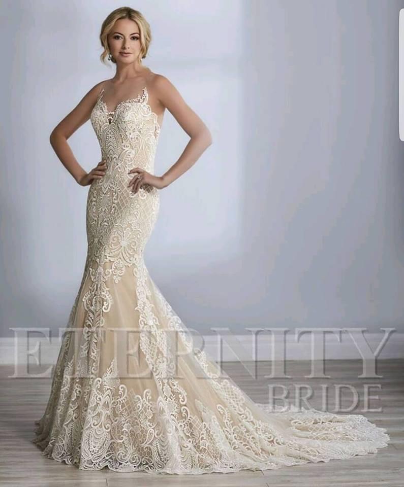 lace fishtail wedding dress.jpg