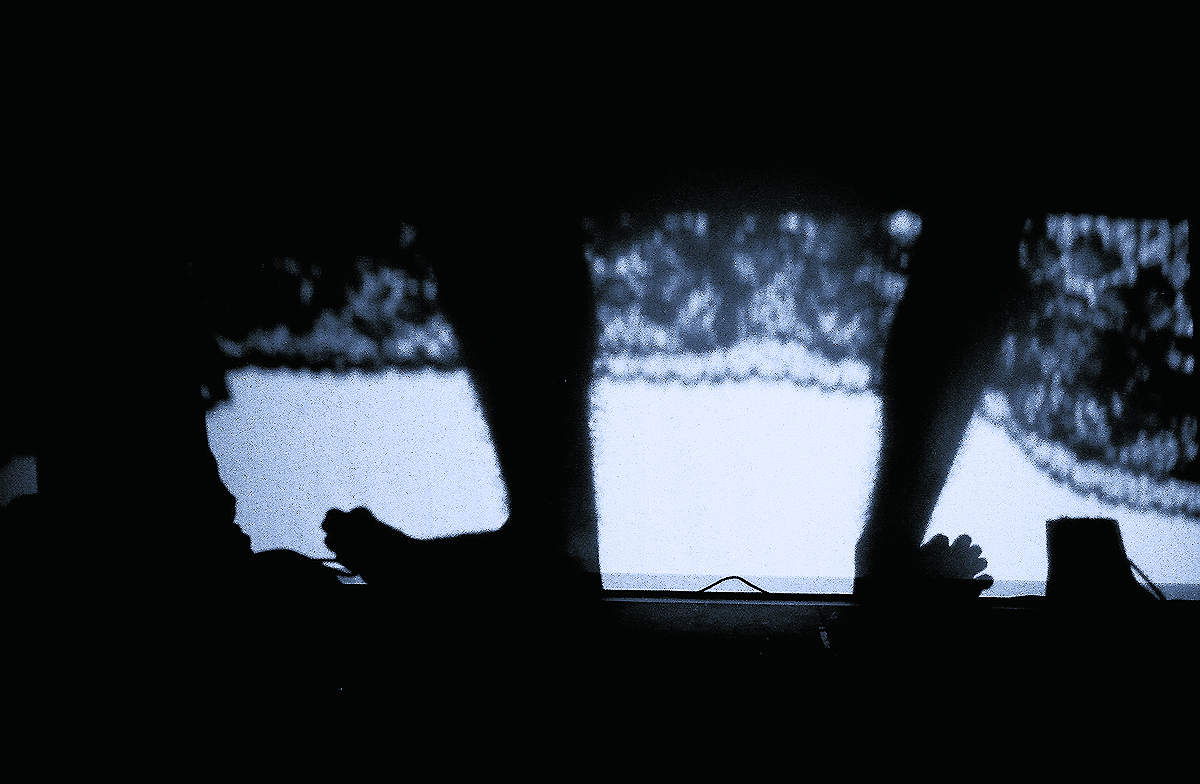 WP_bed legs_duo2716_cmyk copy.jpg