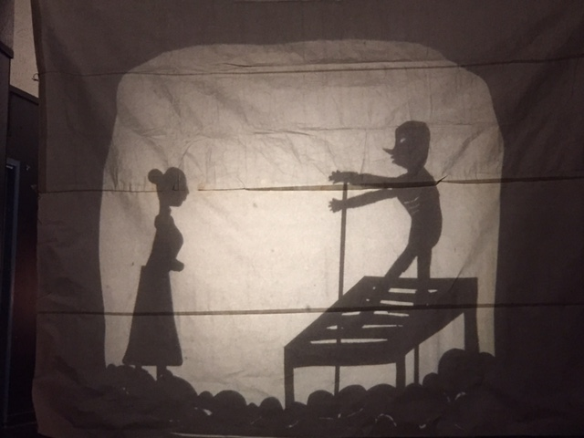Oakland Tech student shadow play performance