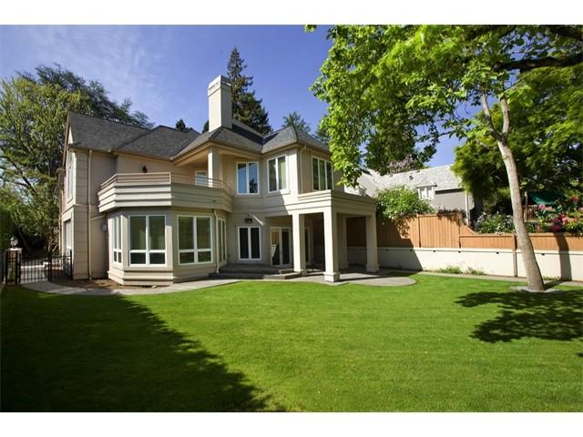 $1,560,000   1800 Blenheim Dr E, Seattle 98112