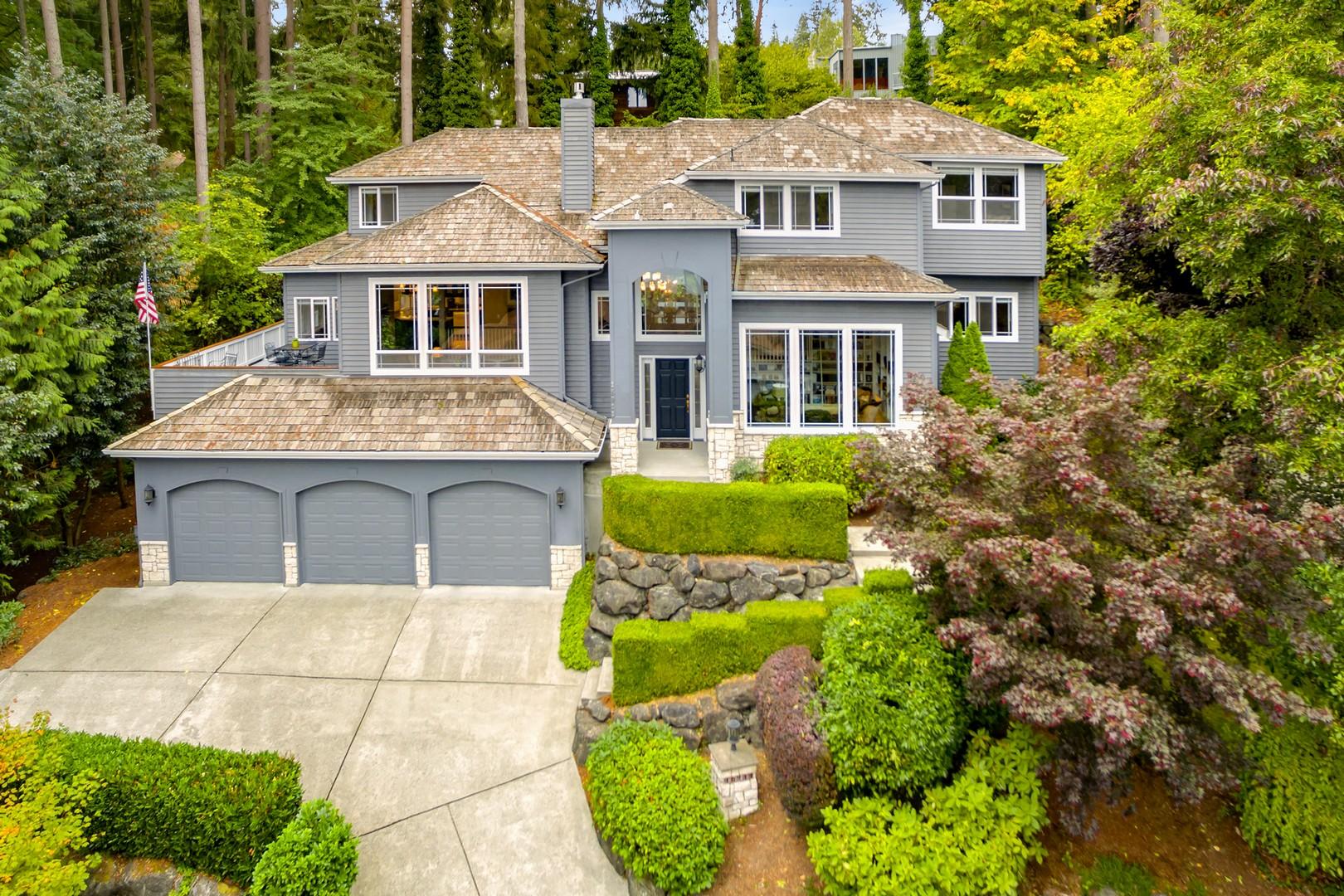 $1,156,400   16911 SE 32nd Place, Bellevue 98008