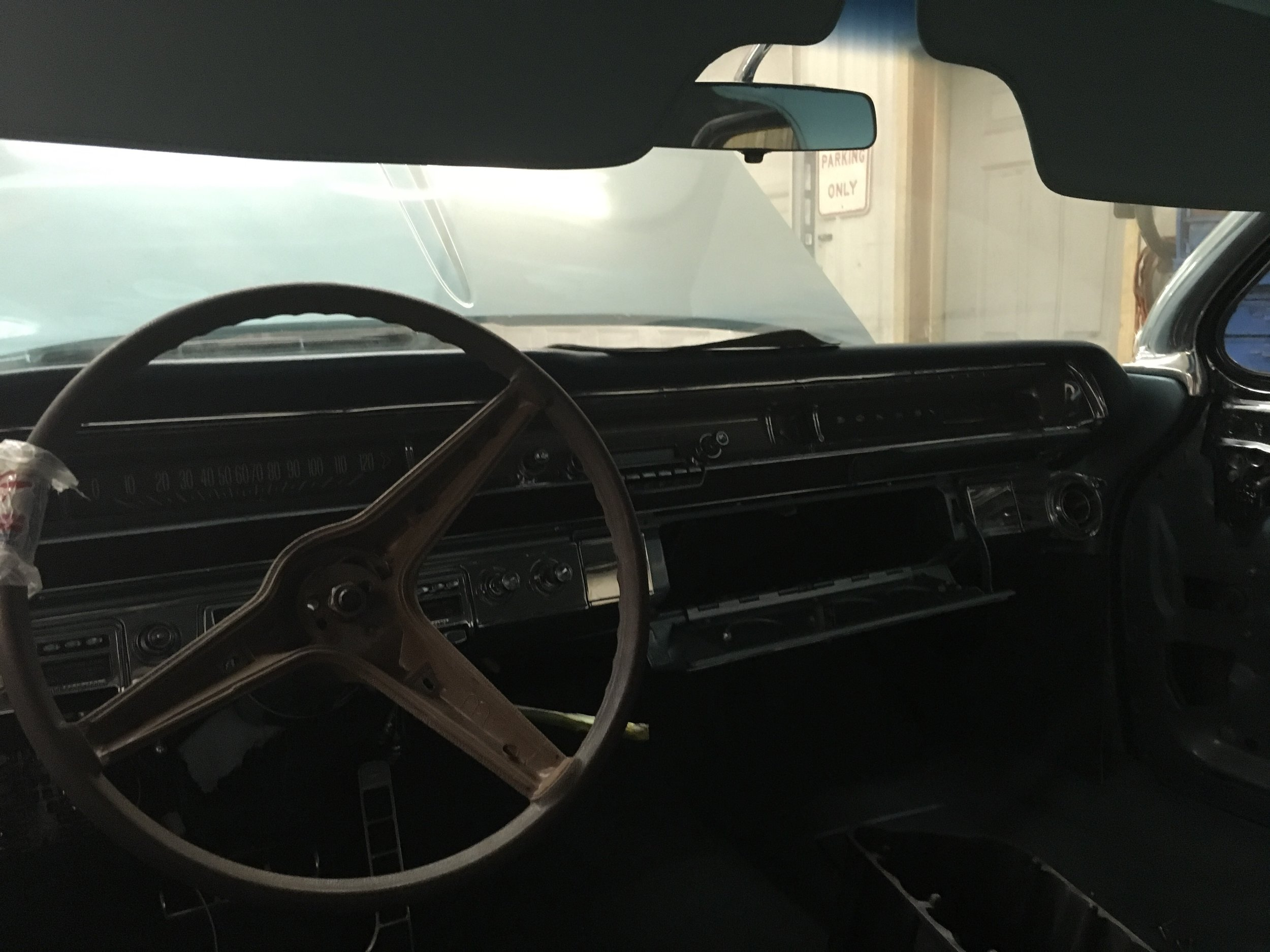 1962-Pontiac-Bonneville-minneapolis-hot-rod-custom-build-restoration-steering-wheel.jpg