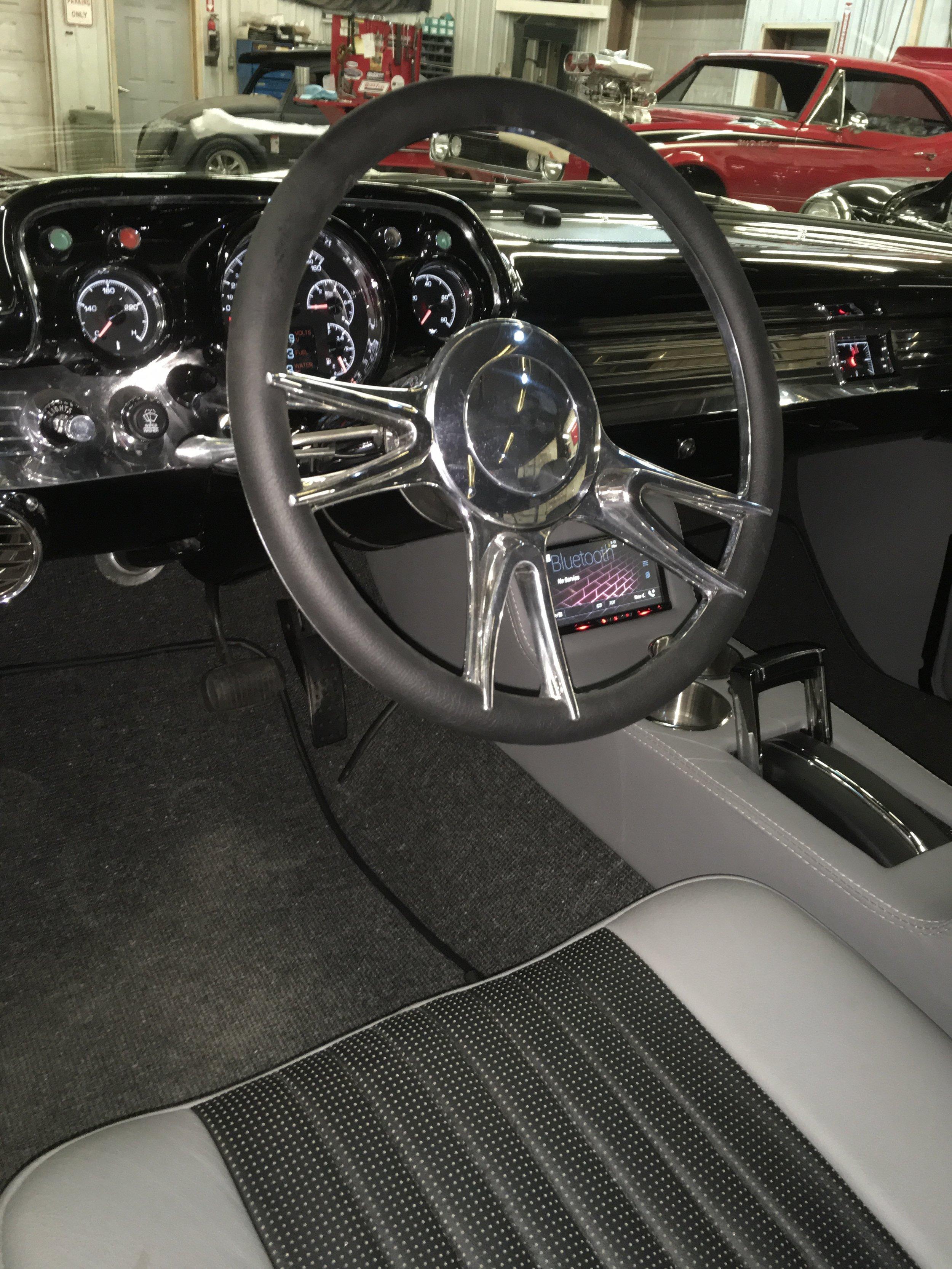 1957-Nomad-steering-wheel-minneapolis-hot-rod-restoration-hot-rod-factory.jpg
