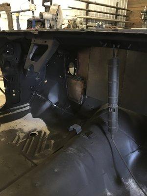 1969-charger-minnesota-car-restoration-hot-rod-factory-underbed.jpg