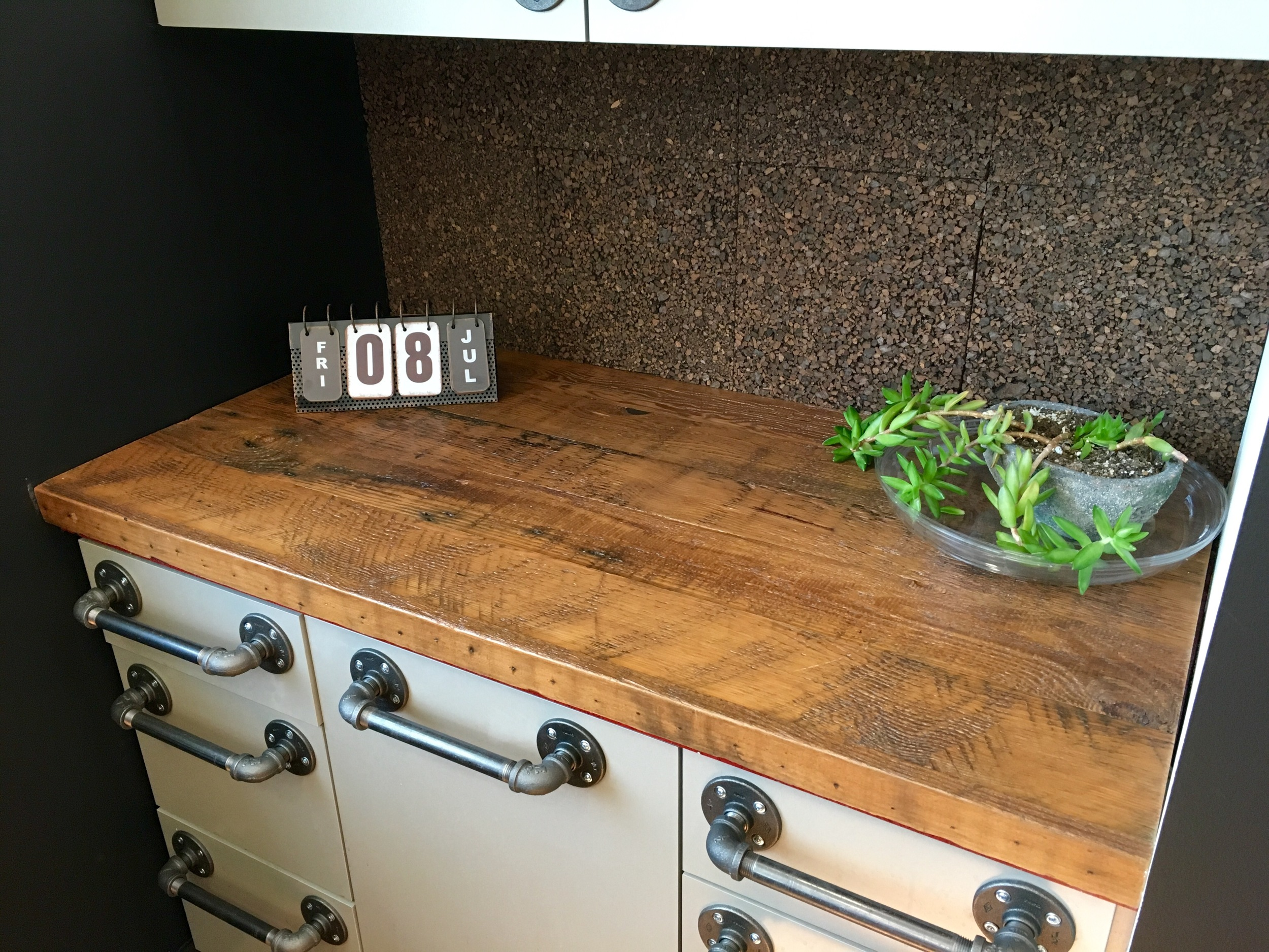 Hybrid Apparel Reclaimed Douglas Fir Counter Top