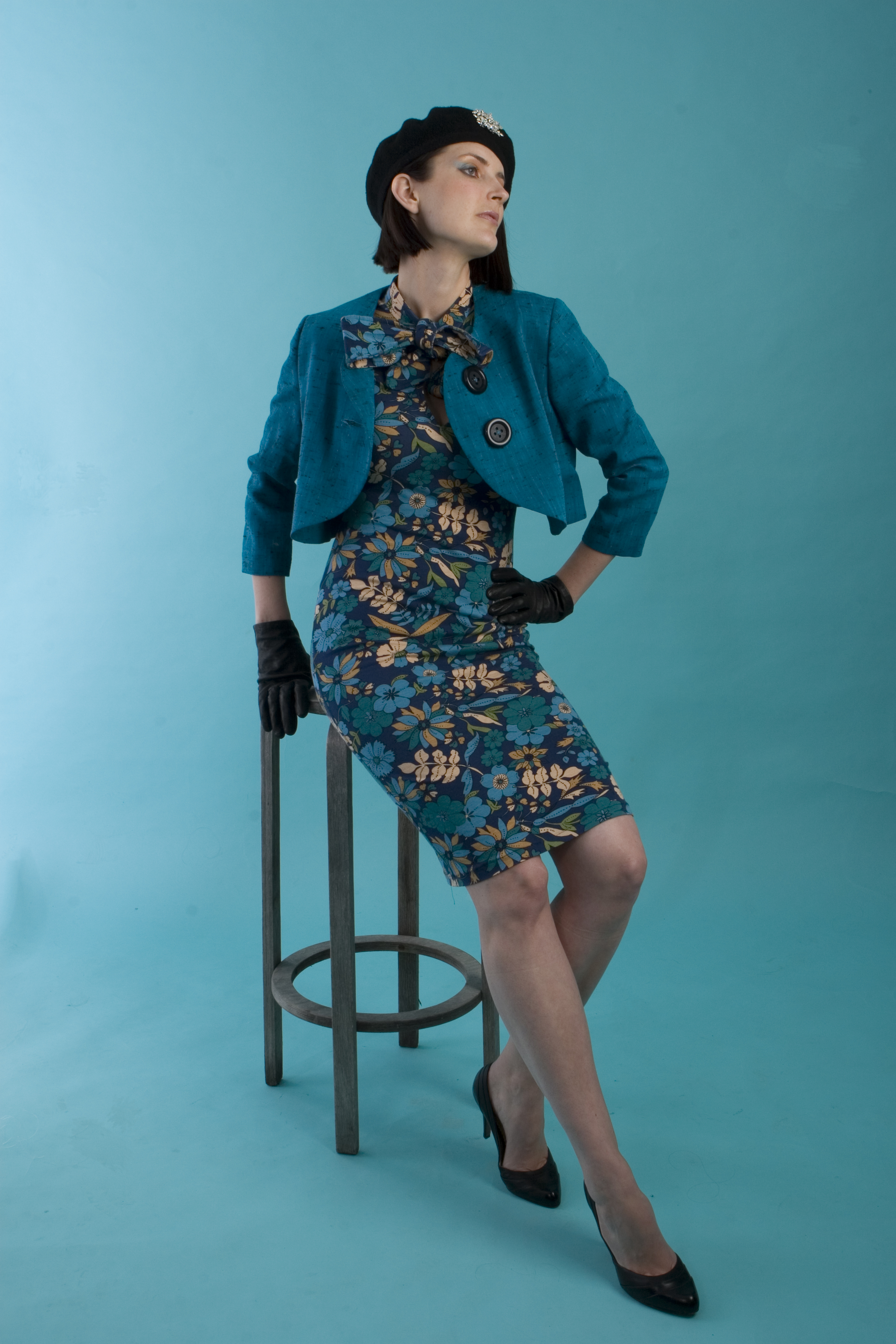 The above Jade or Turquoised coloured bolero jacket in this photo has been handmade from a gorgeous bright vintage wool, and features oversized buttons on the front. I love this bolero with this printed jersey knit dress. Very vintage!
