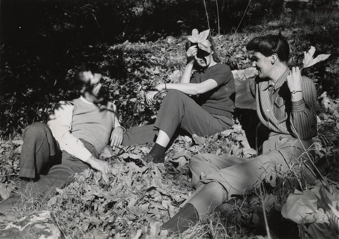 Lorser Feitelson and Helen Lundeberg on Mount Baldy with a friend, 1943.
