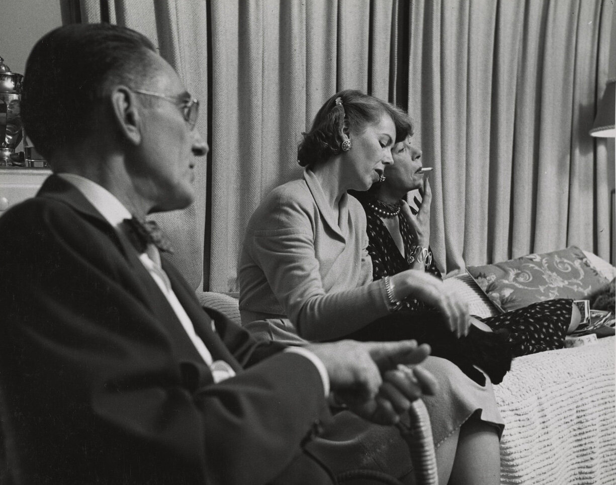 Jim Welton, Helen Lundeberg, and Elise Cavanna at Feitelson and Lundeberg's studio on Ardmore Avenue, Los Angeles, 1950.
