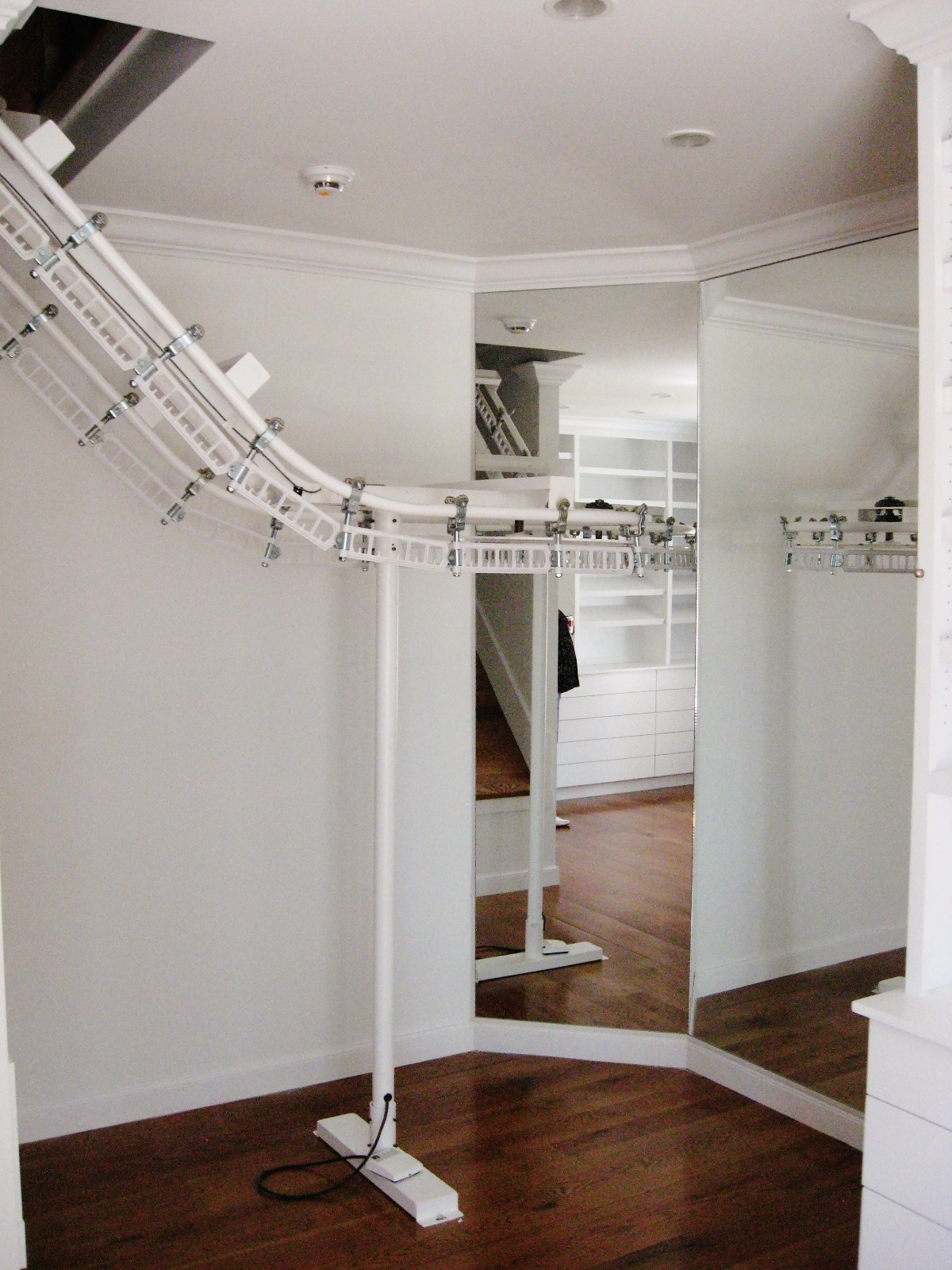 Luxe Wardrobe Automation High-Low Conveyor - Closet Level