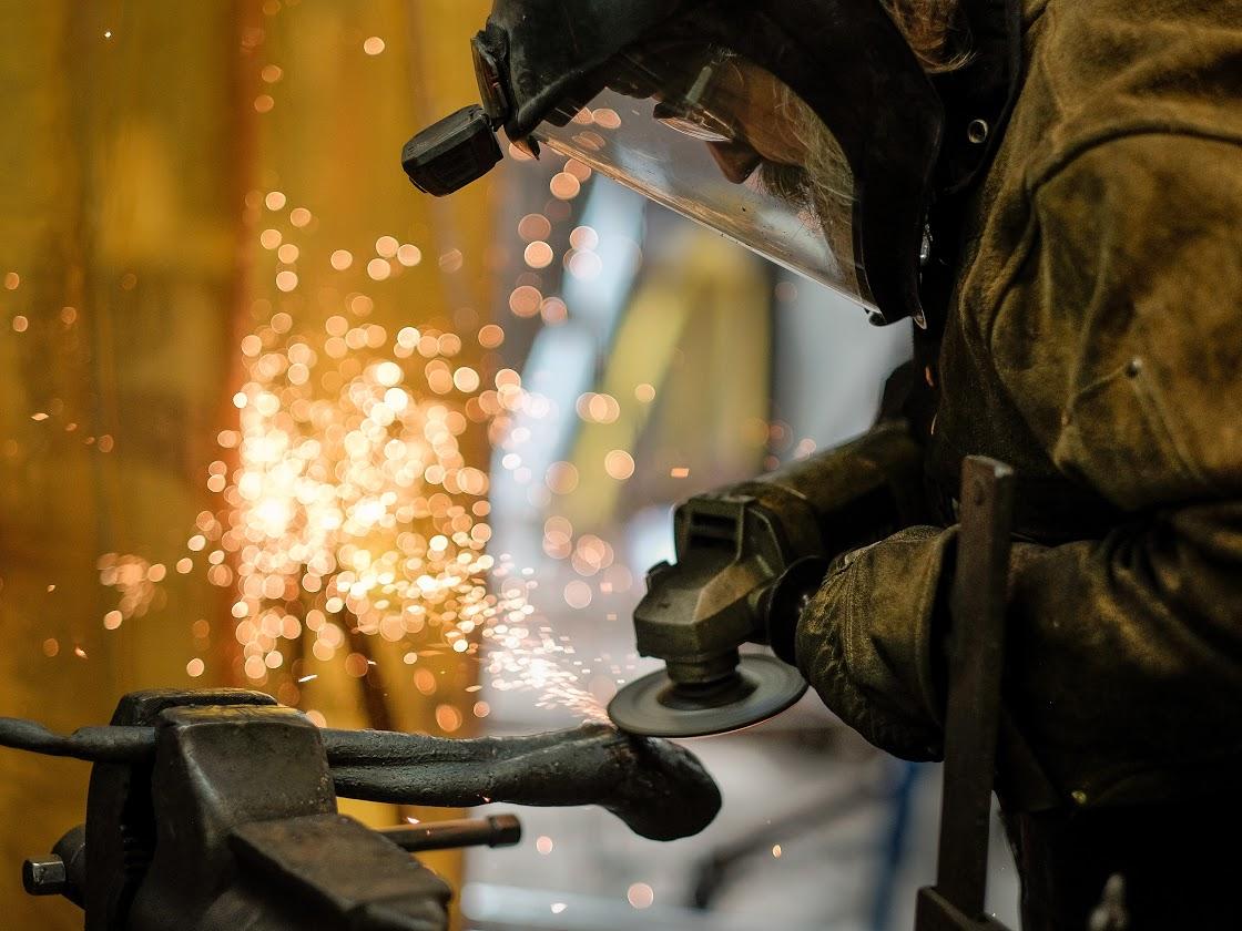 Fine-art blacksmith/metal artist Rob Sigafoos at Vinewoods Forge