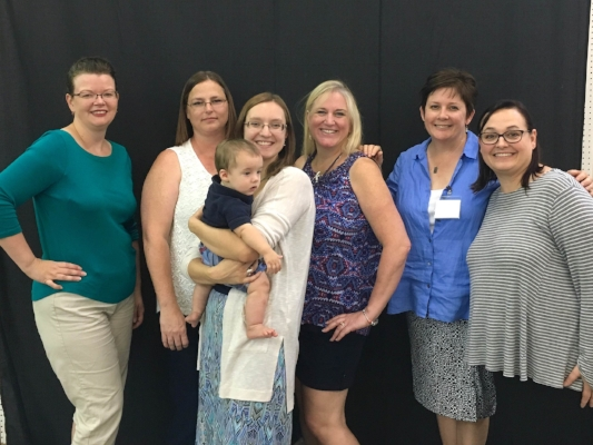 TWILTERS: L to R: Pam, Adelle, me, Jen, Frances, and Lynn (Jo had wandered off to see quilts)