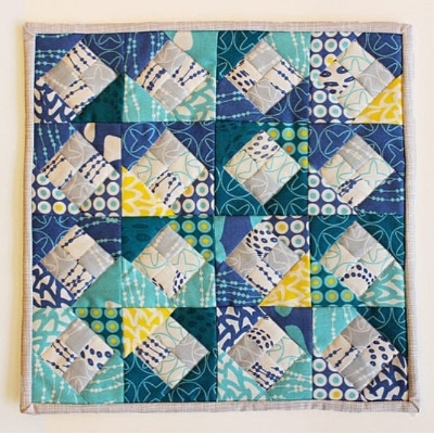 Mini quilt by Vanessa @punkinpatterns