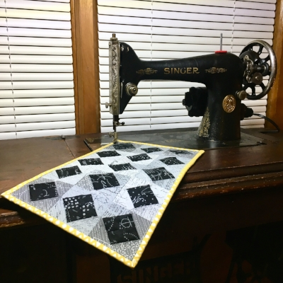 Free Motion Quilting with HollyAnne Knight of String and Story