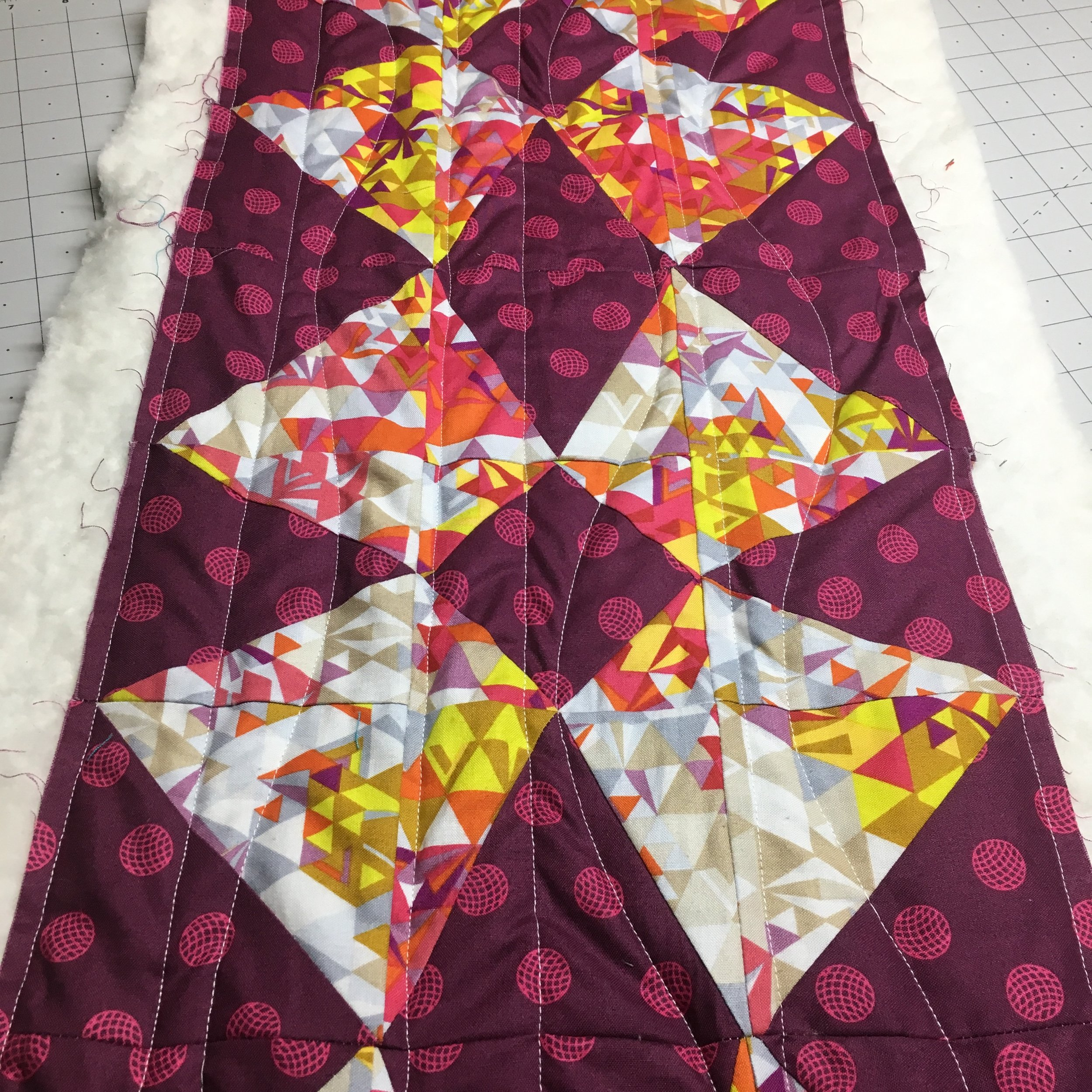 Use Straight and Wavy Lines to Simply and Easily Finish Your Own Quilts -- Click through to join HollyAnne Knight of String & Story to learn more and get started!