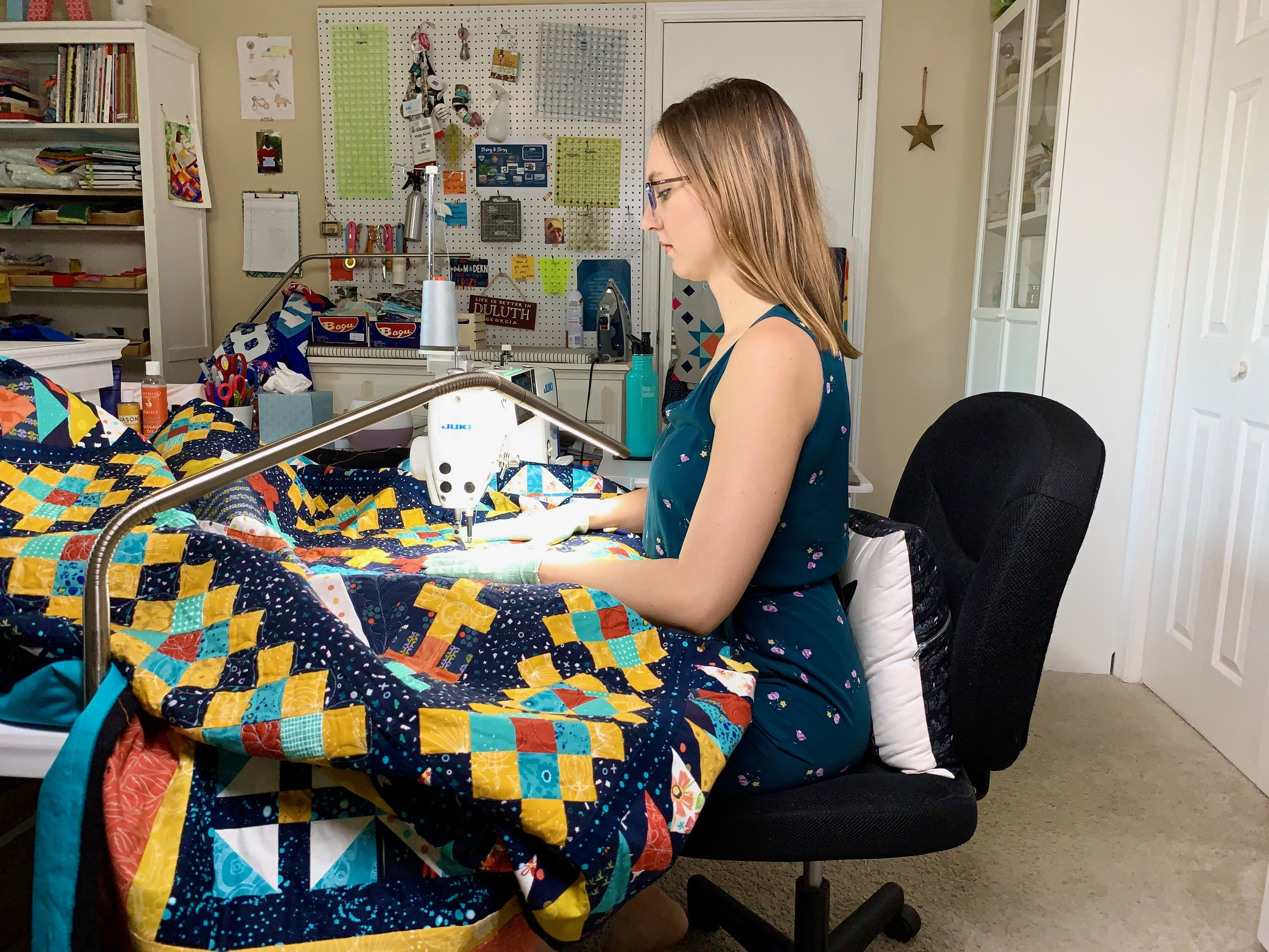 How to Quilt a Large Quilt on a Domestic Machine with HollyAnne Knight of String & Story