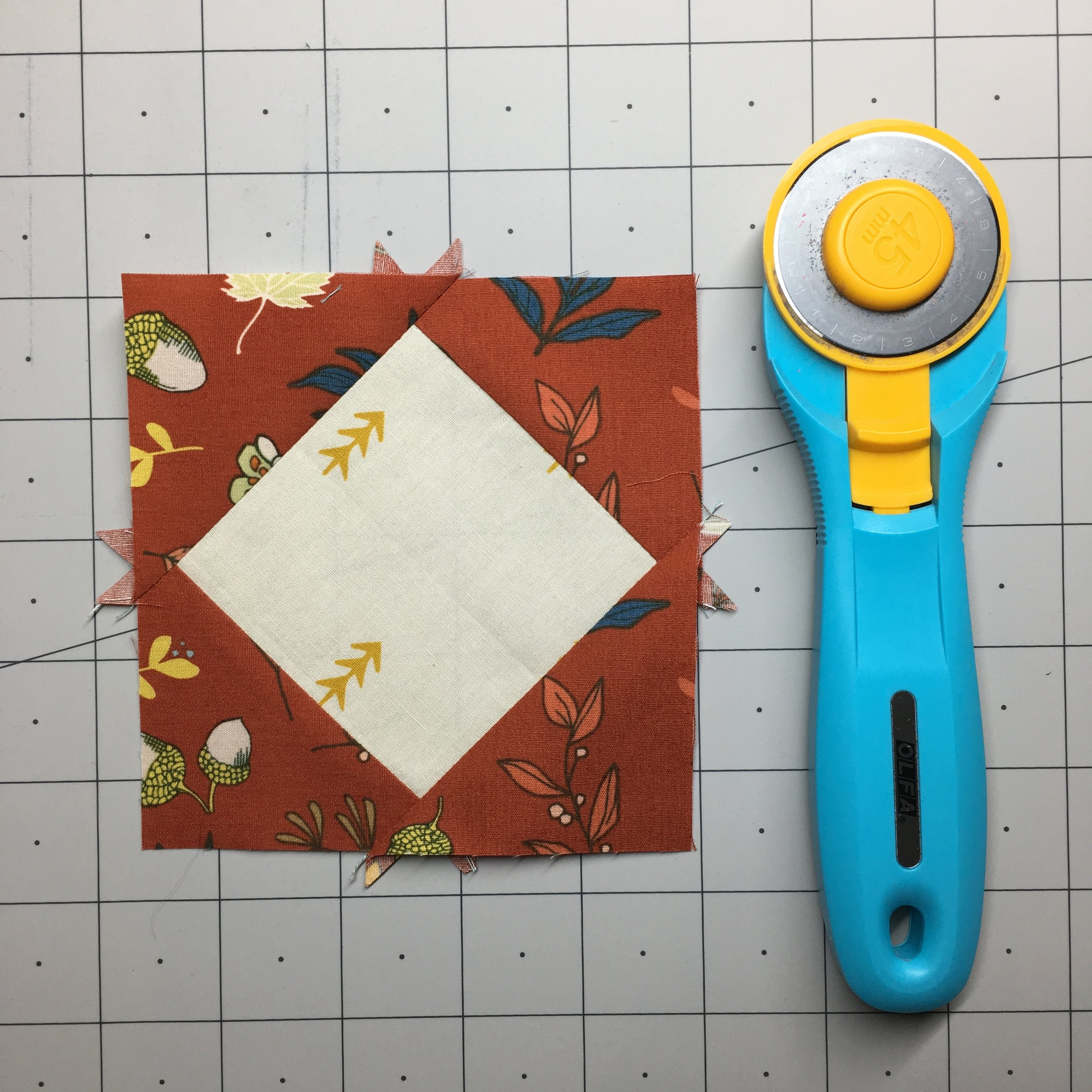 How to Make Square in a Square Blocks with HollyAnne Knight of String & Story