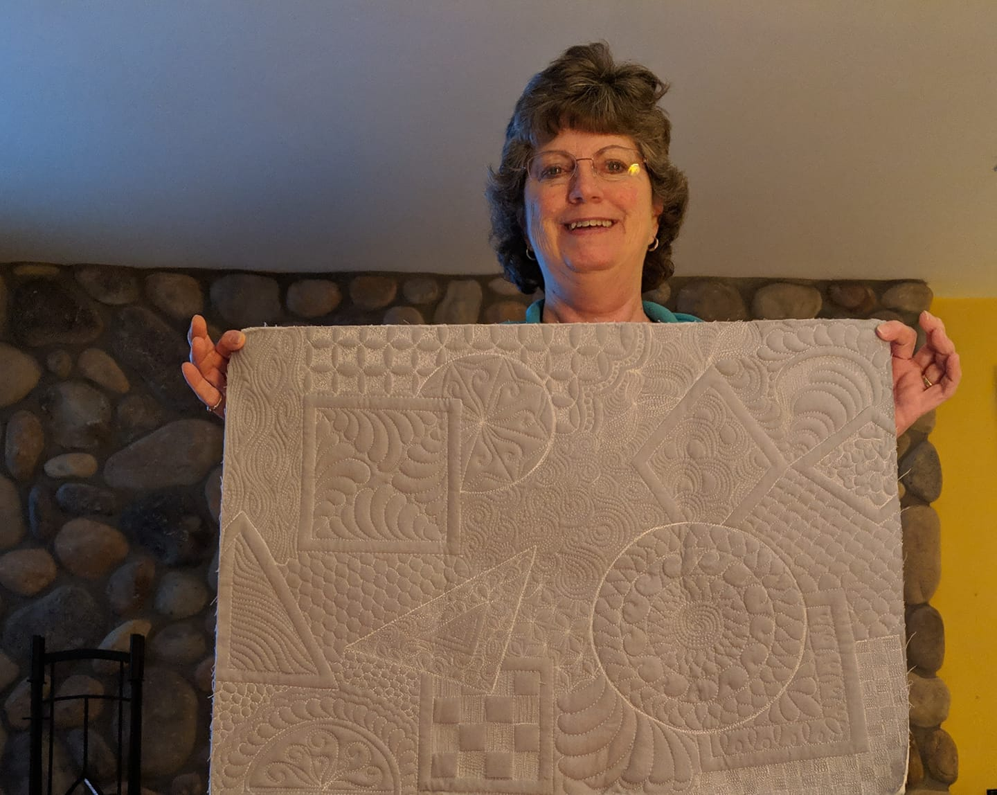 Denise G's whole cloth quilt from Free Motion Quilting Academy with HollyAnne Knight of String & Story