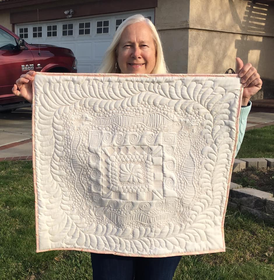 Debi P's whole cloth quilt from Free Motion Quilting Academy with HollyAnne Knight of String & Story