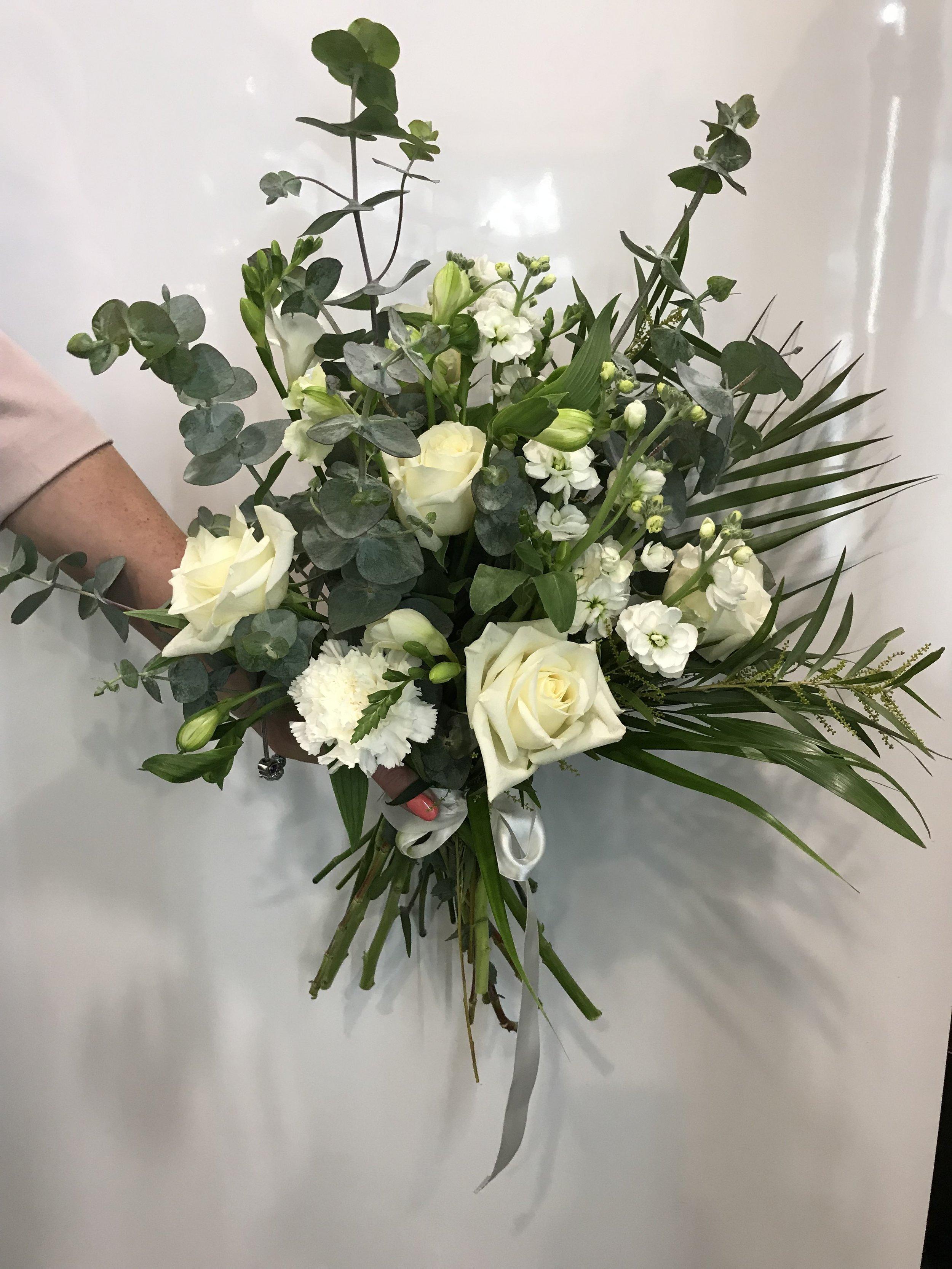 white bouquet.jpg