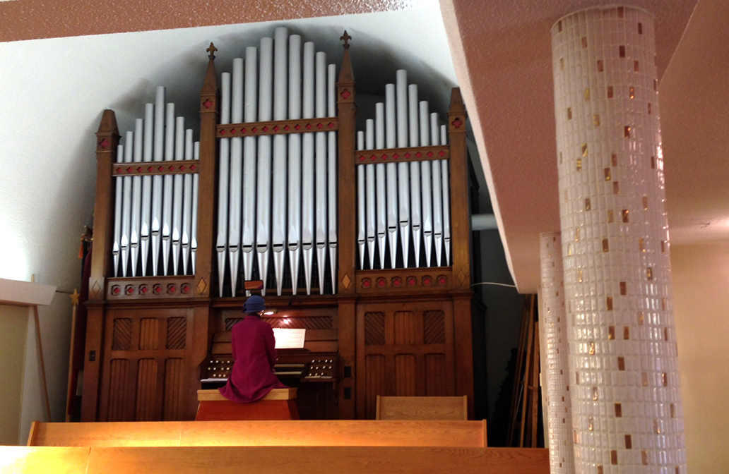 St.Boniface pipe organ played by Lisa Scholtz