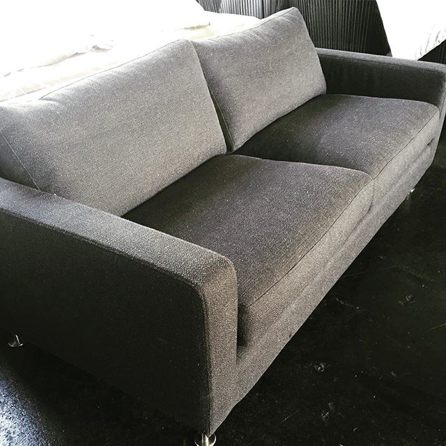 2.5 SEATER SOFA $550!!! RRP. $1690 1 x only be quick Crazy Deal 😜 #sofa #lounge #couch