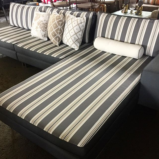 Our outdoor fabric modular sofas look great from every angle with stripe on one side & reversible plain fabric when you flip the cushions. We custom make our outdoor modulars in Melb in 2 weeks! Come in & select your style, fabric, size & we'll take care of the rest. . . PS. Winter is a great time to grab a deal on our #floorstock #outdoorfurniture ❄️❄️