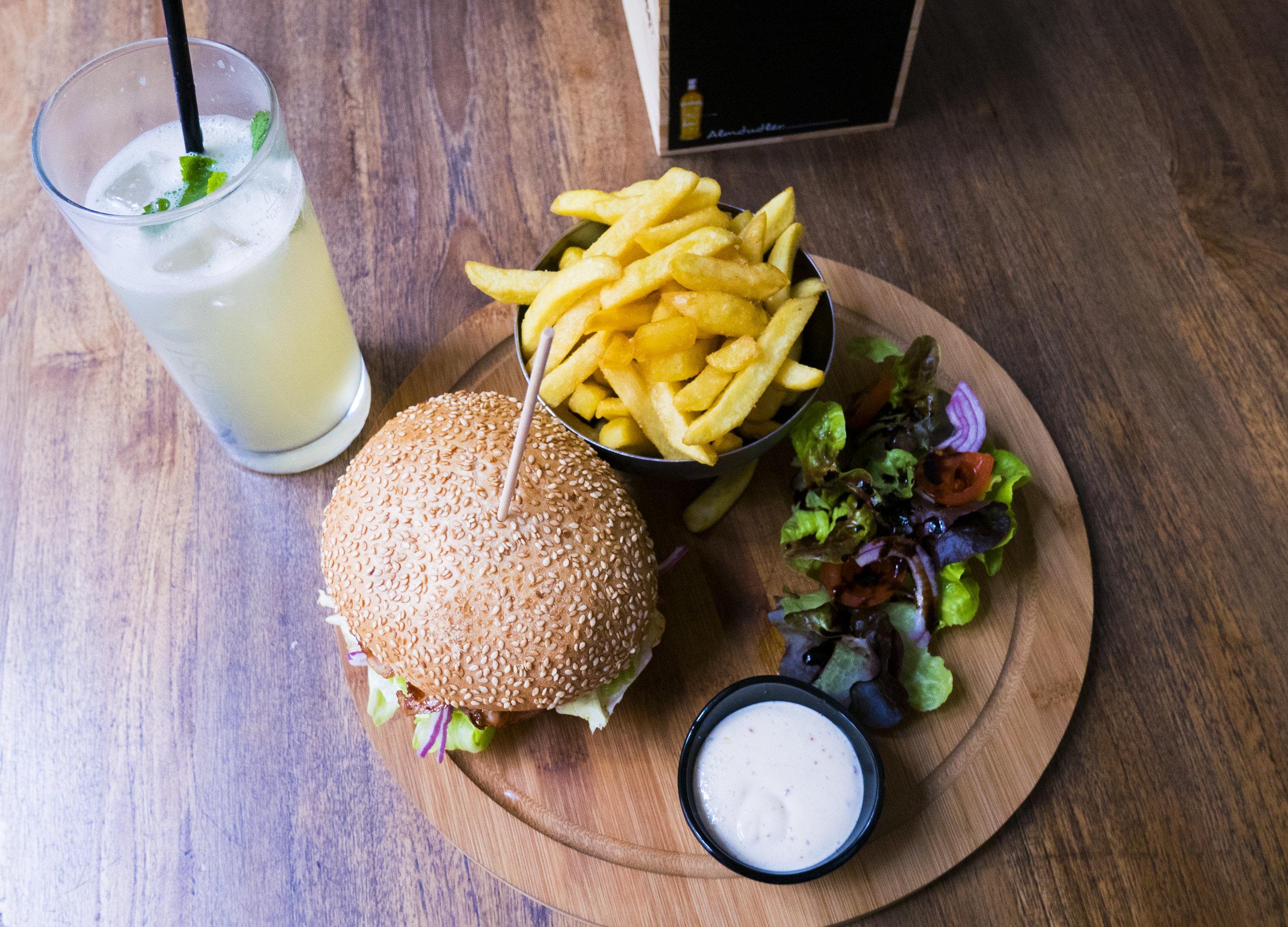 Mittagsmenü in der Burger Bar