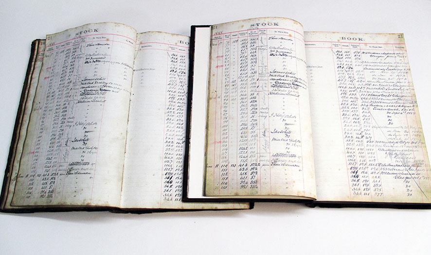 REplica books scanned internals