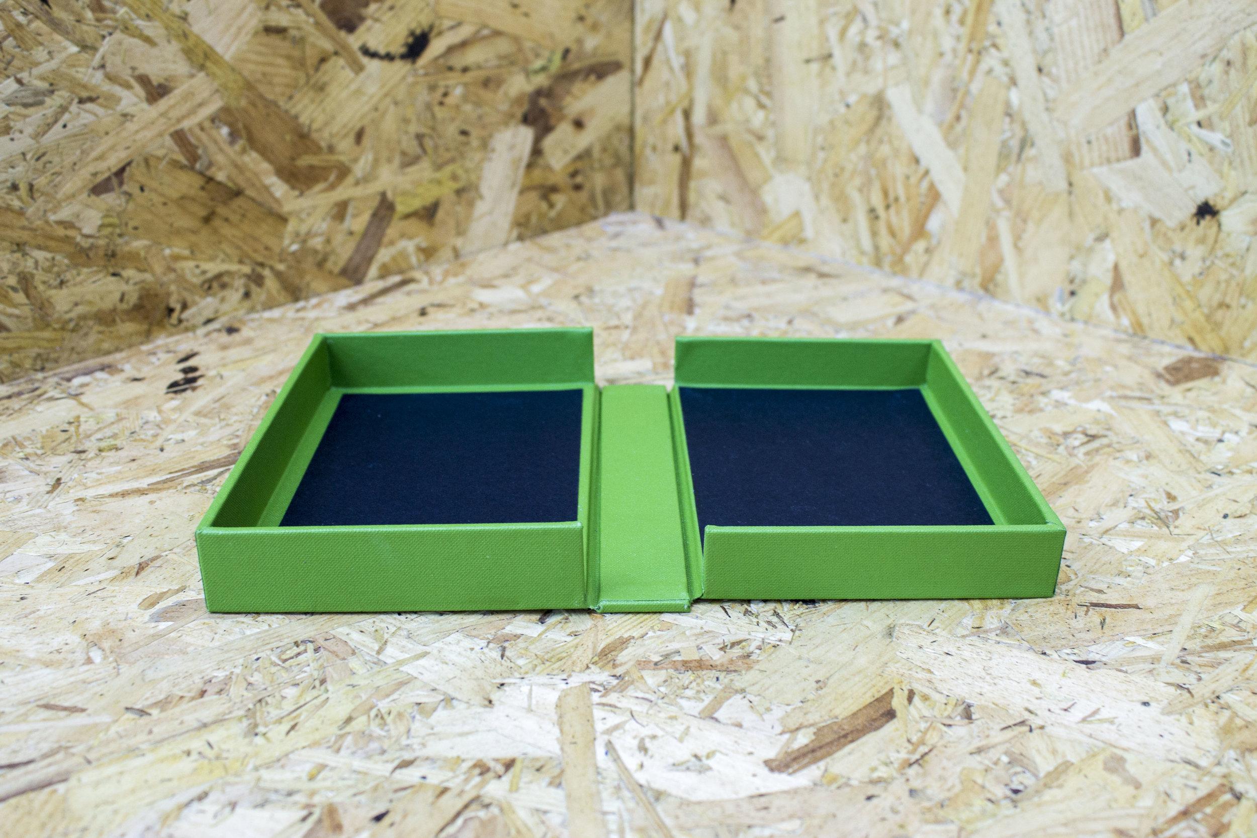BOX green.jpg
