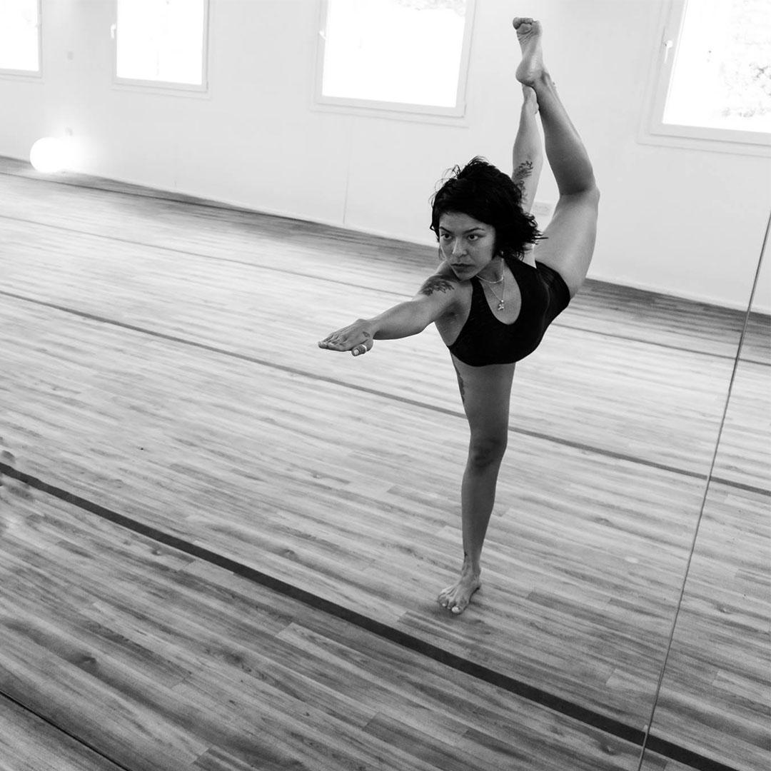 Sandra Sanchez Standing Bow