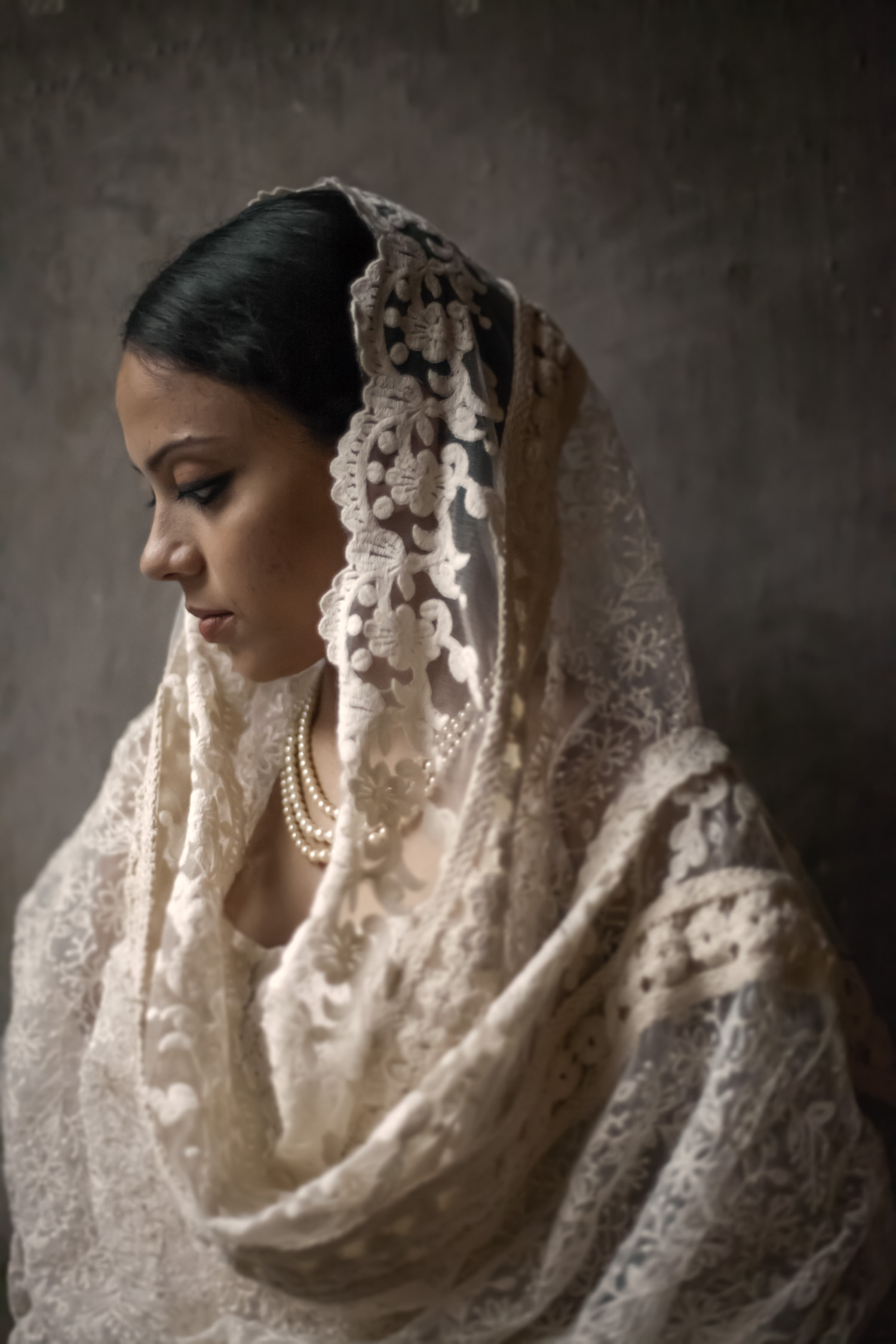 9_Chhandak Pradhan-fashion-Ruins and a Requiem-vintage_feudal_Indian_royal_portrait.jpg