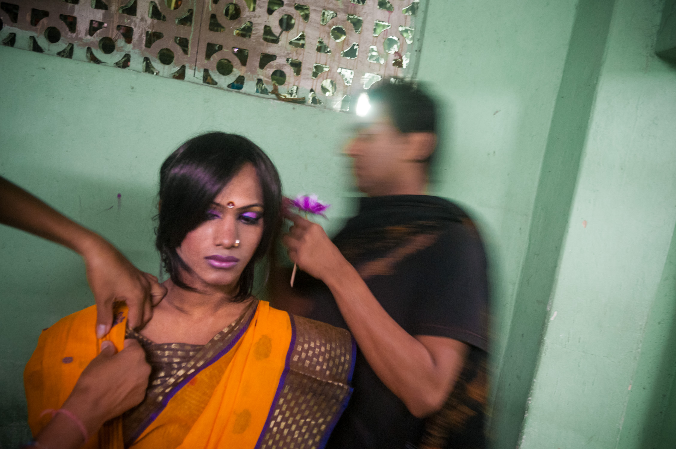 6_Chhandak Pradhan-reportage-Lipstick Men-transgender_dancer_India_Calcutta.jpg