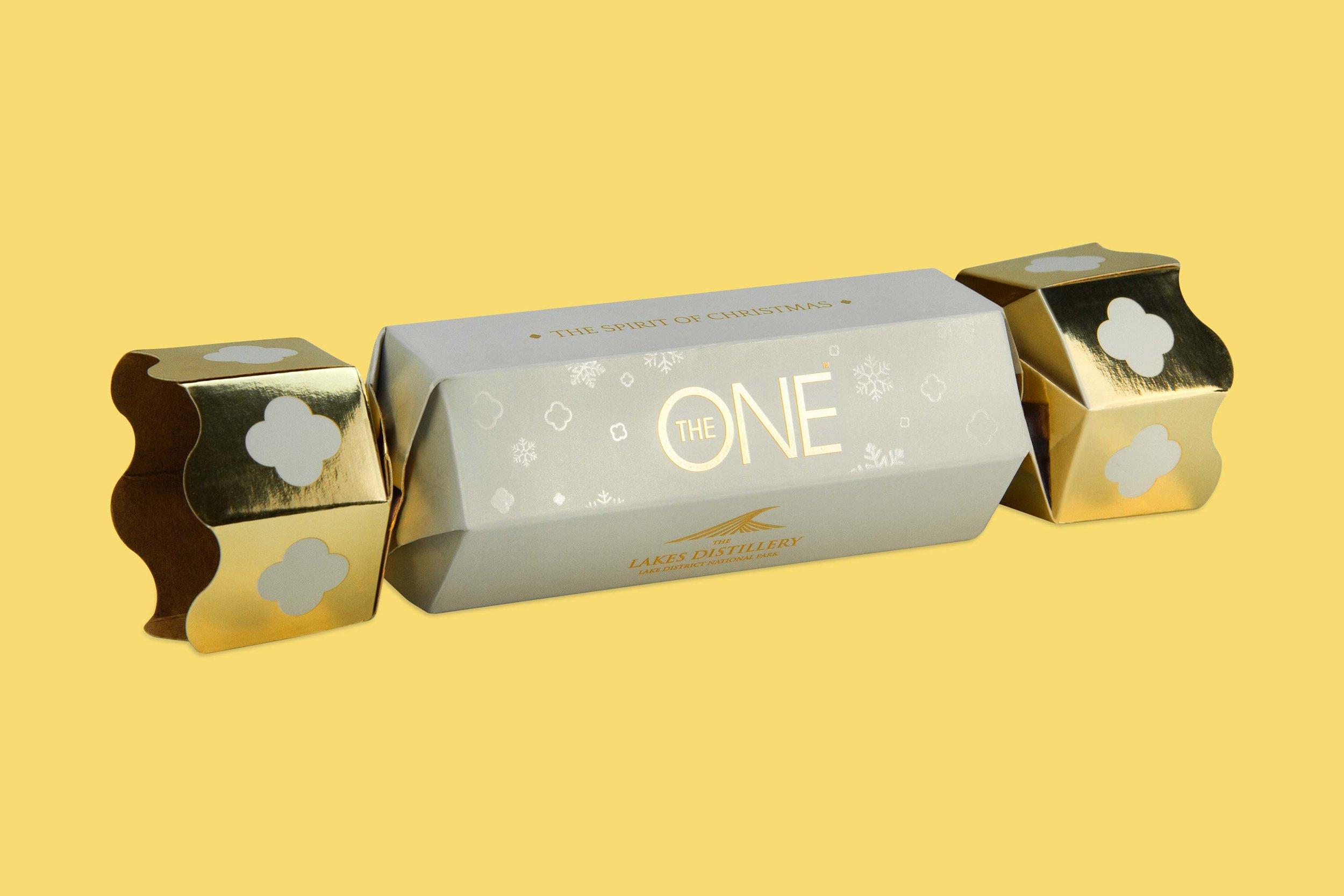 Lakes-Distillery-The-One-Vodka-Christmas-Cracker-Gift-Box-Packaging-Prototype-Design.jpg