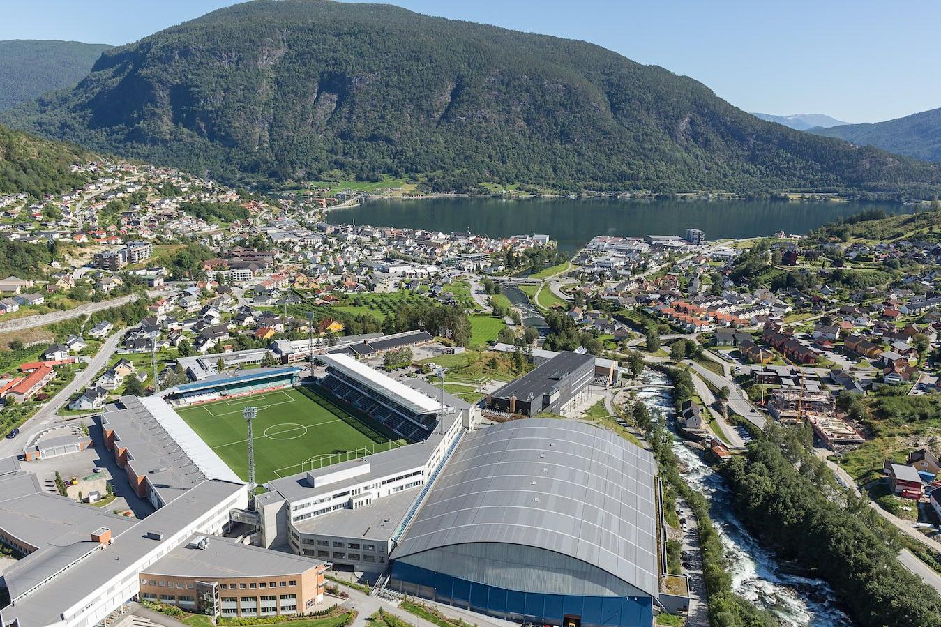 Ekspert på Squarespace - Vi held til på Fosshaugane Campus i Sogndal. Vår kundemasse er spreidd over heile landet, frå Svolvær i nord til Lillesand i sør. Vi utviklar nettsider basert på verktøyet Squarespace, og er det mest erfarne byrået i Skandinavia på dette brukarvennlege verktøyet. Sjekk våre kundar.