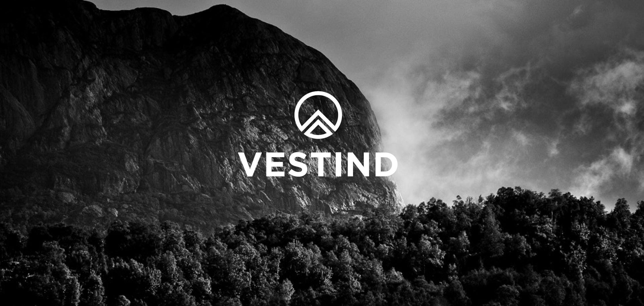 vestind-logo-fjell-i-bakgrunnen.jpg