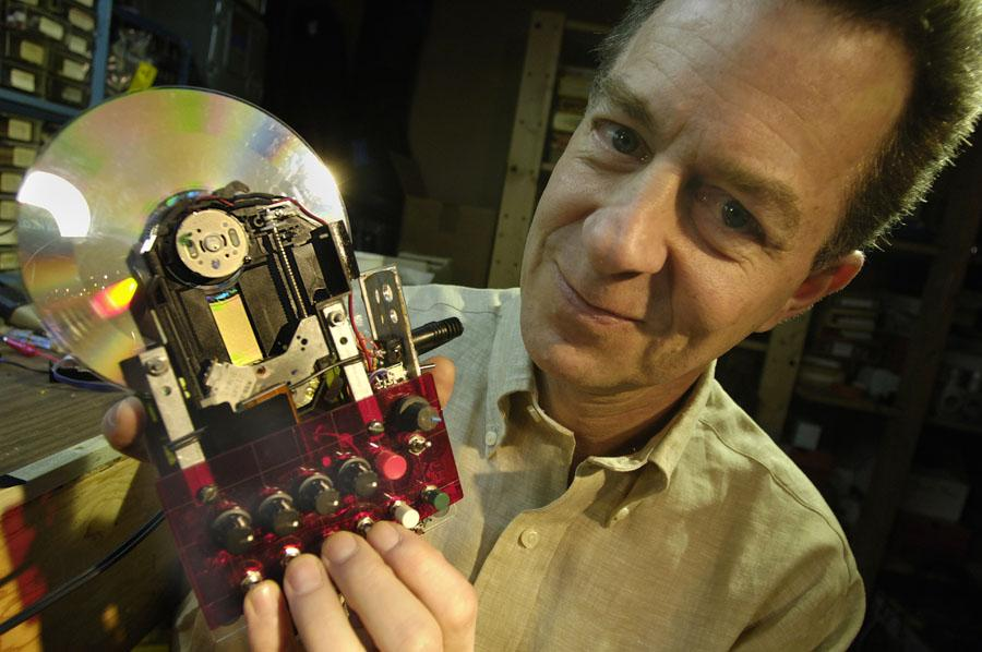 'Sled Dog' hand-scratchable hacked CD player, Chicago, 2006. Photo by Marty Perez.