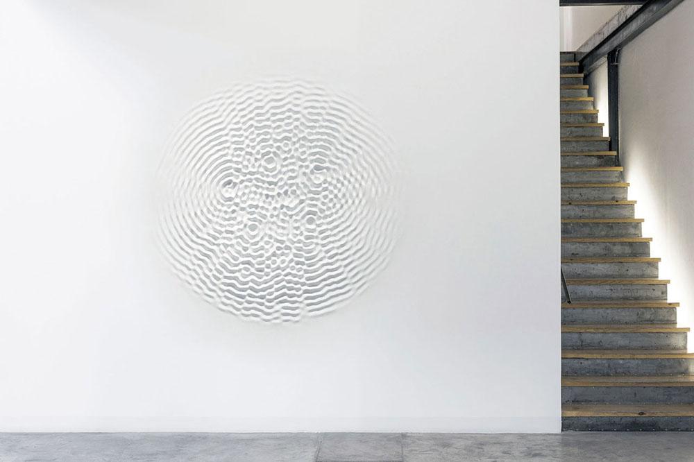Loris Cecchini,Wallwave Vibration, 2012