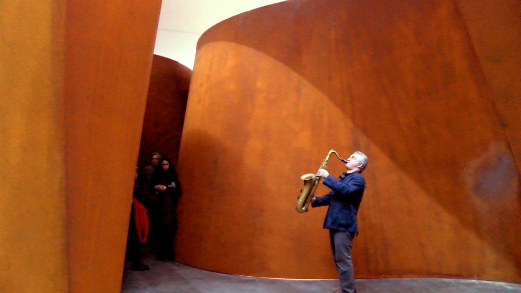 Avram Fefer performing in and around Richard Serra's NJ-1 sculpture at Gagosian Gallery New York.