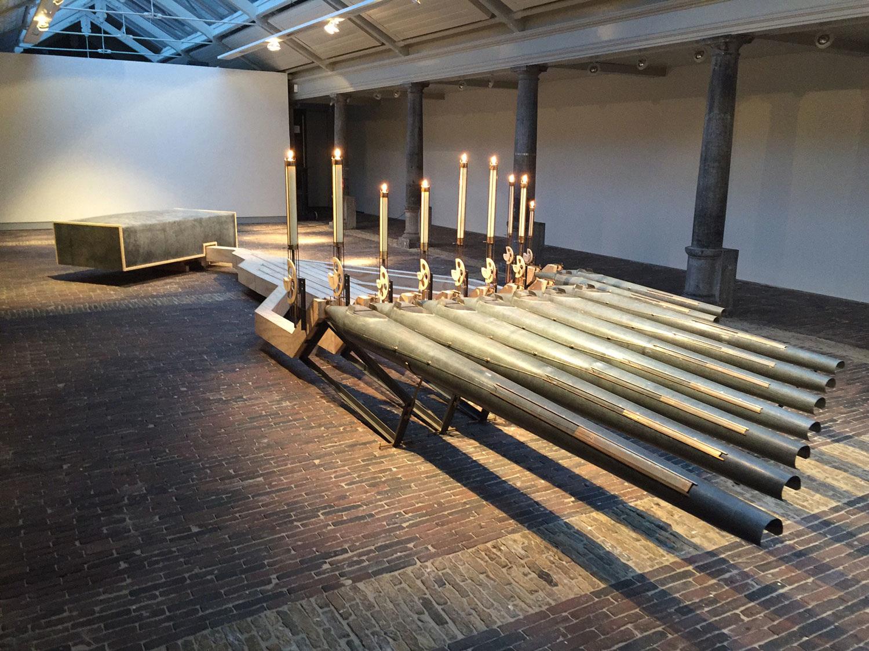 Roland van der Meijs, Exploring earthly sounds for nine candles, 2016